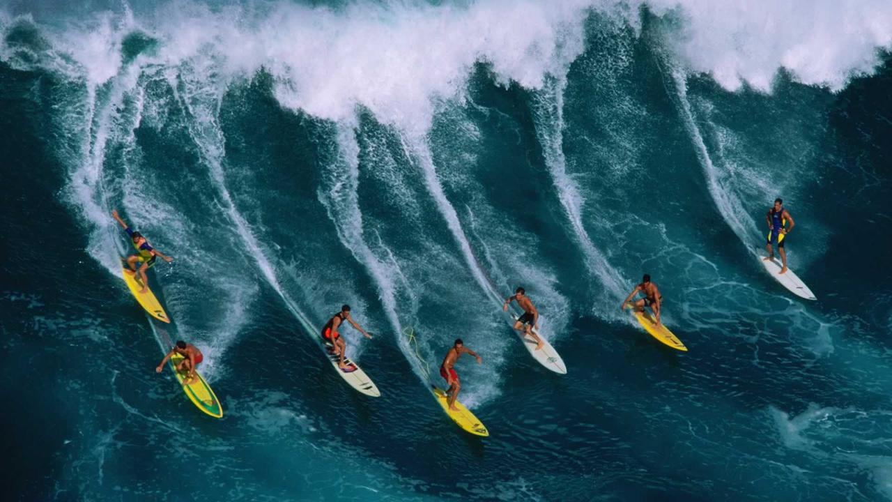 group-big-wave-surf-bigger-brother